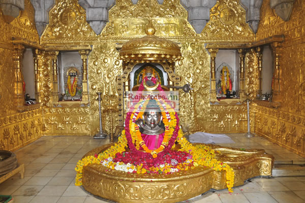 Somnath To Dwarka Car Booking